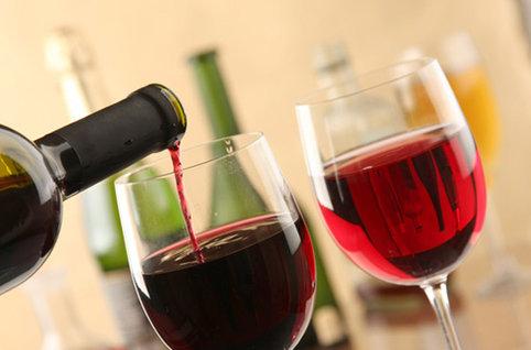 vin rouge schutterstock