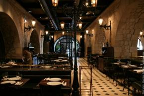 faust-restaurant-pairs-1-520055906