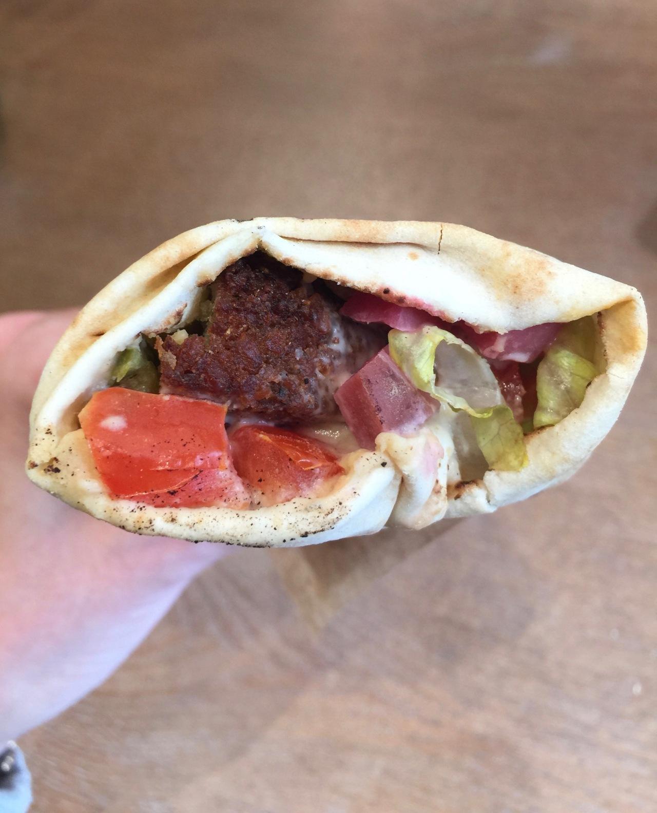 ZOÉ À BEYROUTH : STREET FOOD À LA LIBANAISE (PARIS17)