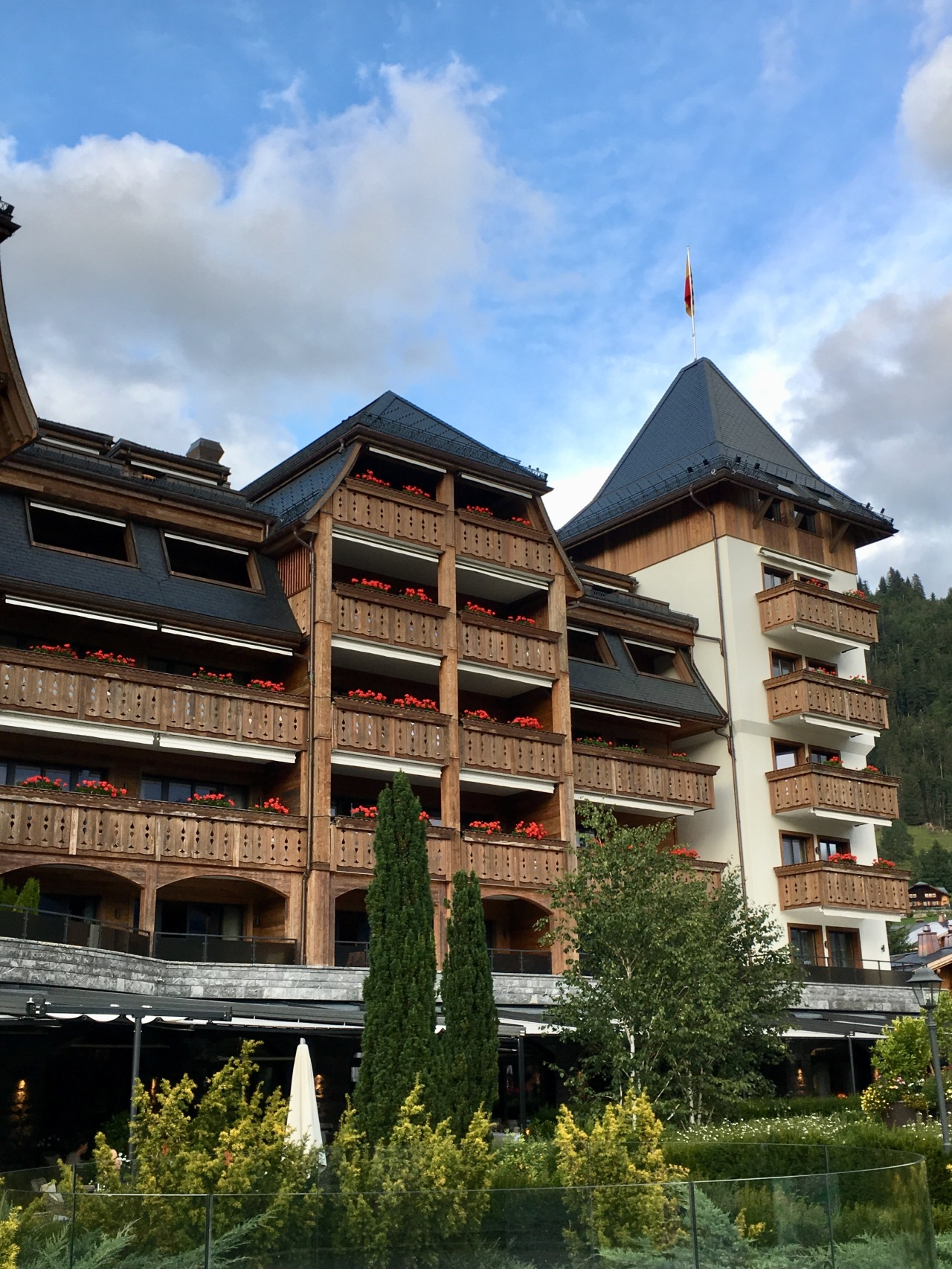 LESS SAVES THE PLANET 2019 – HÔTEL ALPINA GSTAAD